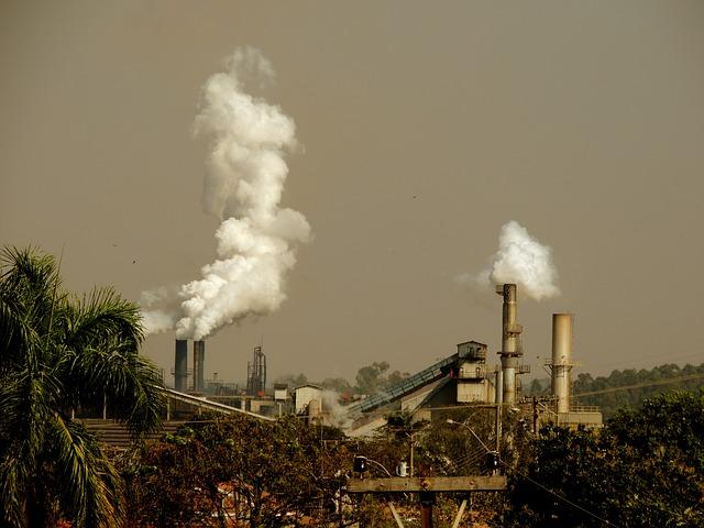 La contaminación atmosférica, considerada factor de riesgo cardiovascular