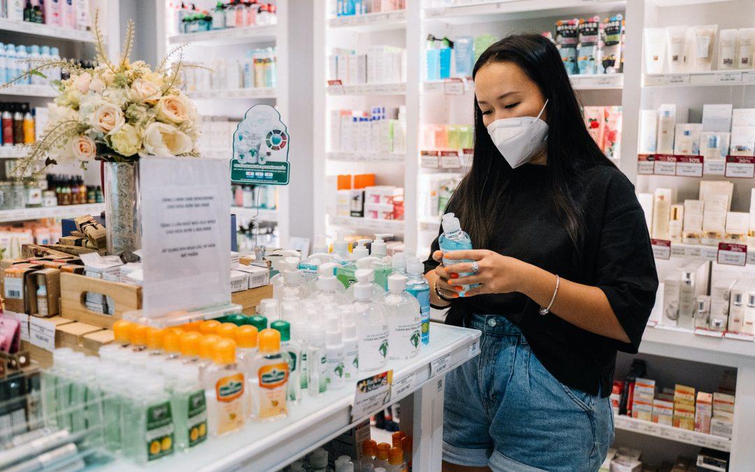 Llegan los test rápidos a las farmacias: así funciona la última arma contra la COVID-19